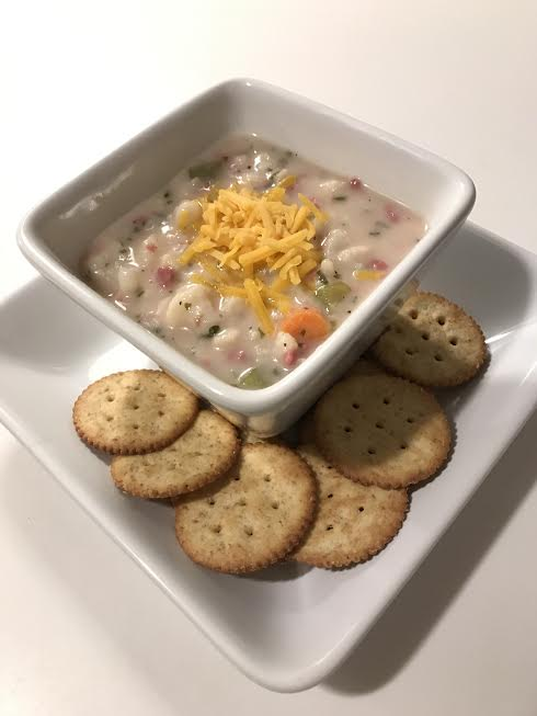 cauliflower-soup-and-crackers