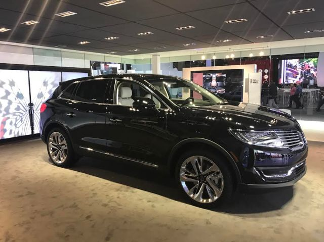 Black Label Lincoln MKX